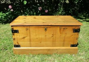Trunk Coffee Table Blanket Wooden Box