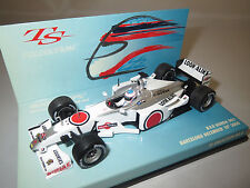 Minichamps Formel 1  Bar Honda 002  Barcelona  December  18TH  1:43  in Vitrine
