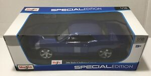 2006-Dodge-Challenger-Concept-Maisto-1-18-Diecast-Model-Car-BLUE