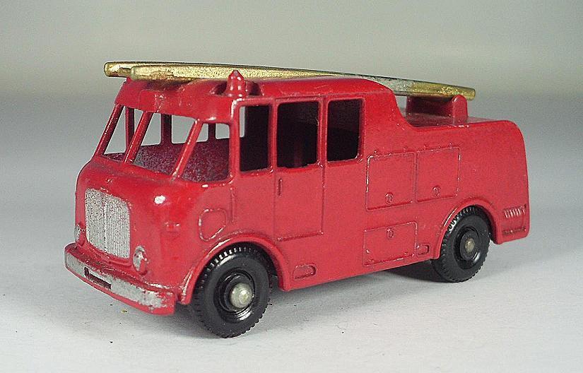 Matchbox Regular Wheels Nr. 9 C Merryweather Fire Engine gold Ladder BPW