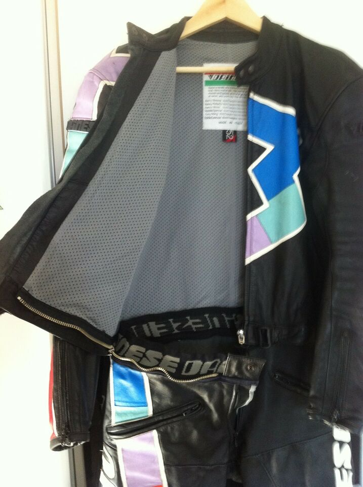 Dragt, Dainese, str. 52