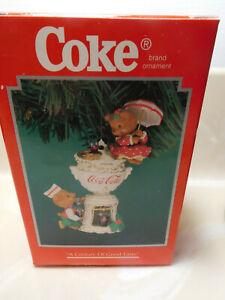 Enesco Coca-Cola1996 Century of Good Taste Christmas Ornament w/box
