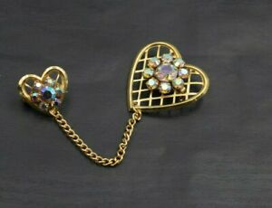 Vintage-Gold-Tone-Aurora-Borealis-Rhinestone-Double-Heart-Sweater-Brooch-Pin-a42