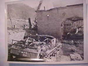 Original-WW2-US-Photo-of-2-Assault-Sturmgeschuyz-Tanks-in-Wallendorf-Germany