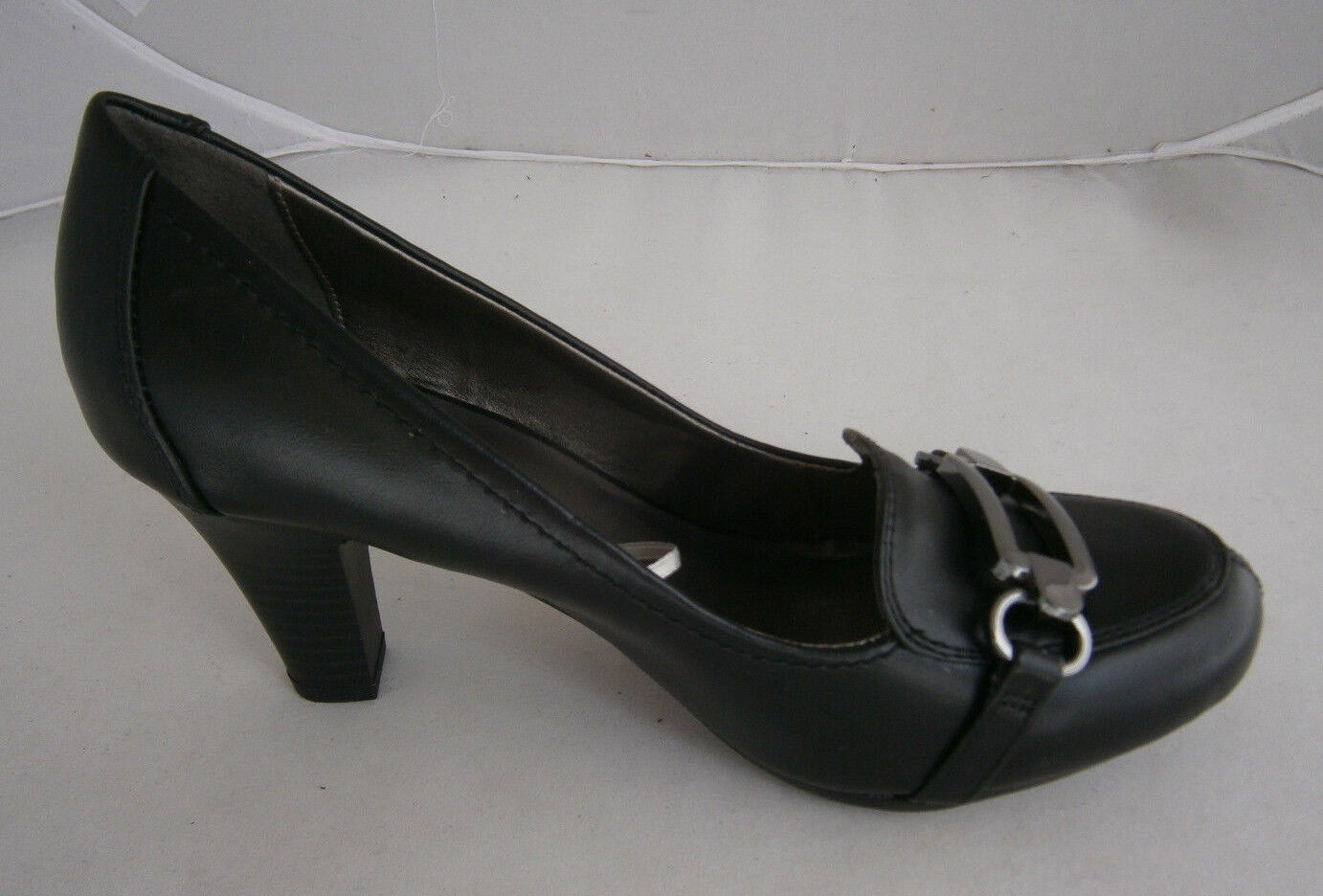 MADELINE DECORATIVE NEWELL SHOES PUMPS 8 BLACK DECORATIVE MADELINE METAL BUCKLE FAUX LEATHER 84eaa8