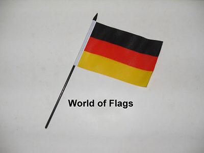 "BERLIN DESKTOP TABLE FLAG 6/""X4/"" 15cm x 10cm flags GERMAN GERMANY"