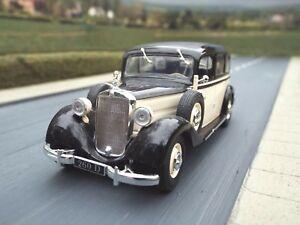 Escala-1-43-1936-Mercedes-Benz-260D-Negro-Crema-por-IXO-ALTAYA