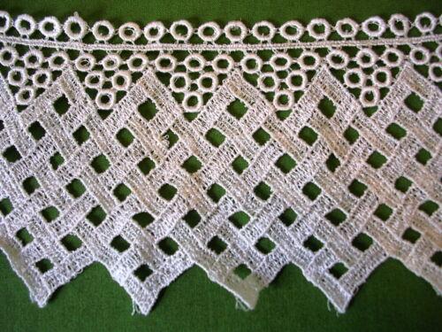 """Vintage Venise Lace Diamond Trim Circles Crafts Linen Rayon Dress 4/"""" 1380w"""