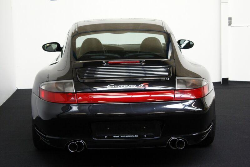 Porsche 911 Carrera 4S Coupé - 12