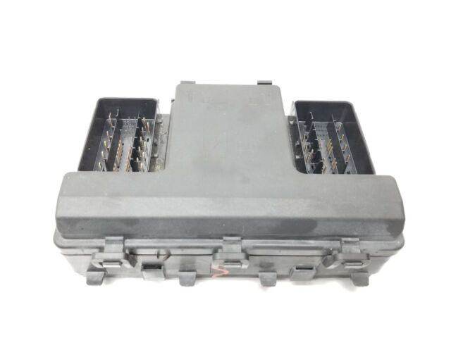 2016 Lincoln Mkz Engine Bay Fuse Relay Junction Box Used Oem