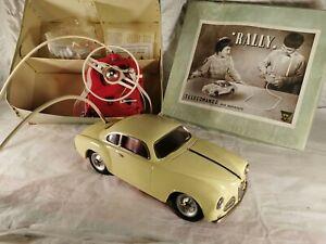 Tin-Toy-1950-039-s-VENTURA-Italy-ALFA-ROMEO-034-ALFONA-034-remote-controlled-bat-operated