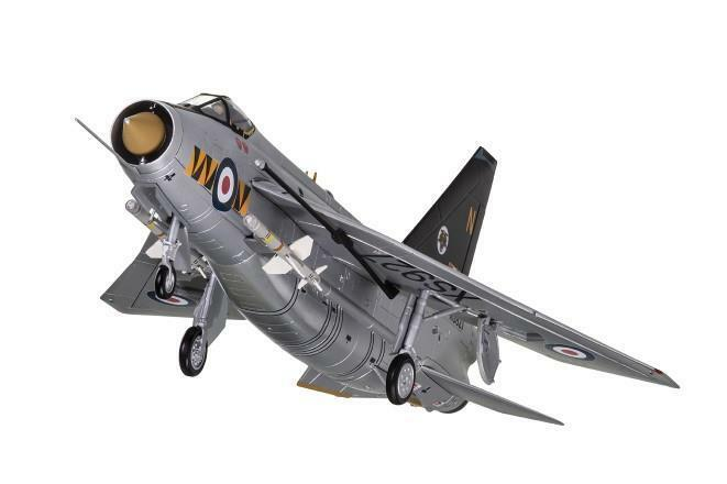 Corgi - AA28402 - English Electric Lightning 74 Squadron XS927 N