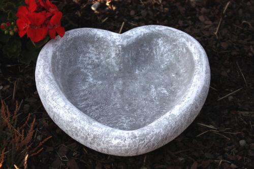 Vogeltränke Herz Frostfest Garten Deko Steinguss Skulptur Pflanztopf