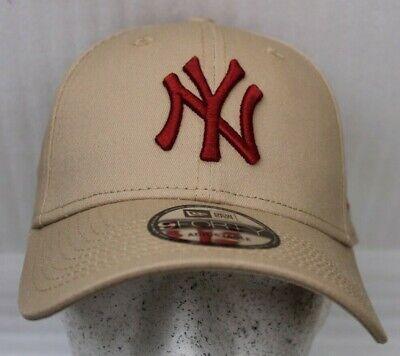 New Era 9Forty Adjustable League Essential Cap New York Yankees OSFM Beige NEU