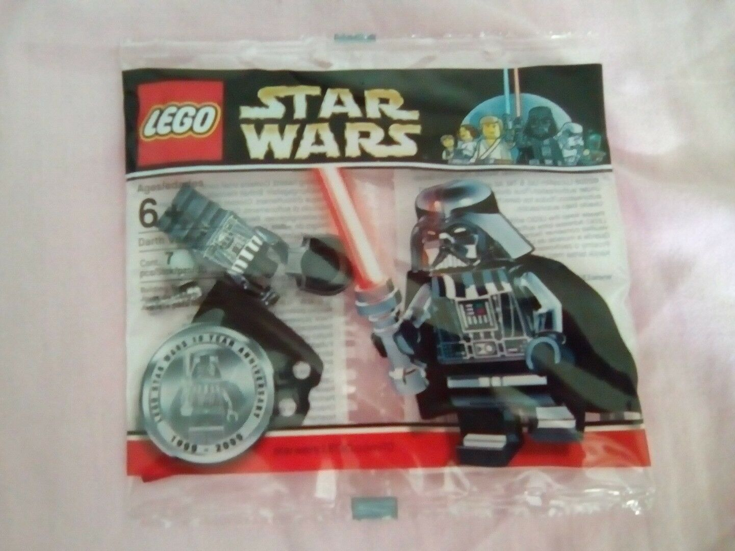 Lego Minifigure chrome Darth vader