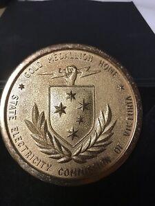 Gold Medallion Home 9cm Around   eBay