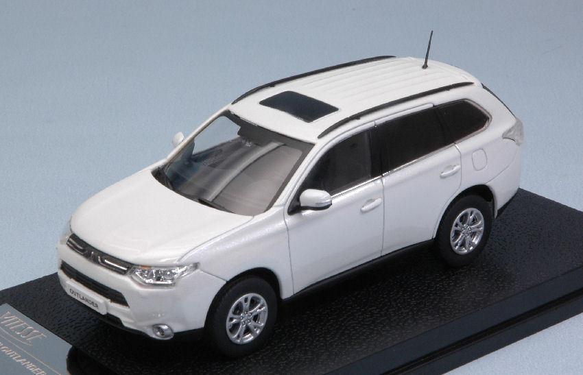 Mitsubishi Outlander 2010 Pearl White 1 43 Model 29391 VITESSE