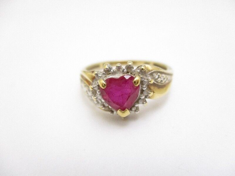 10K YELLOW gold RING WITH HEART SHAPE RUBY