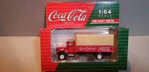 HARTOY-C01031-COCA-COLA-DELIVERY-TRUCK-1-64-SCALE-DIECAST-METAL-MODEL