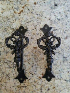 TWO-Curtain-Tiebacks-Old-World-Medieval-New-Orleans-Bedroom-Accessories