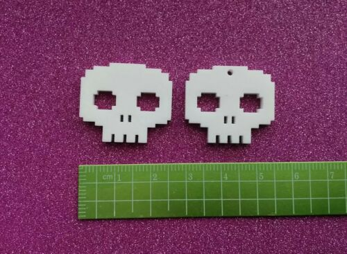 5x pixel skull gamer  charms//pendants//jewellery making//acrylic//cabachons