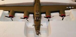 "CORGI (AA34010) USAAF B-24H ""PISTOL PACKN MOMMA"" 1:72ND SCALE DIECAST MODEL"