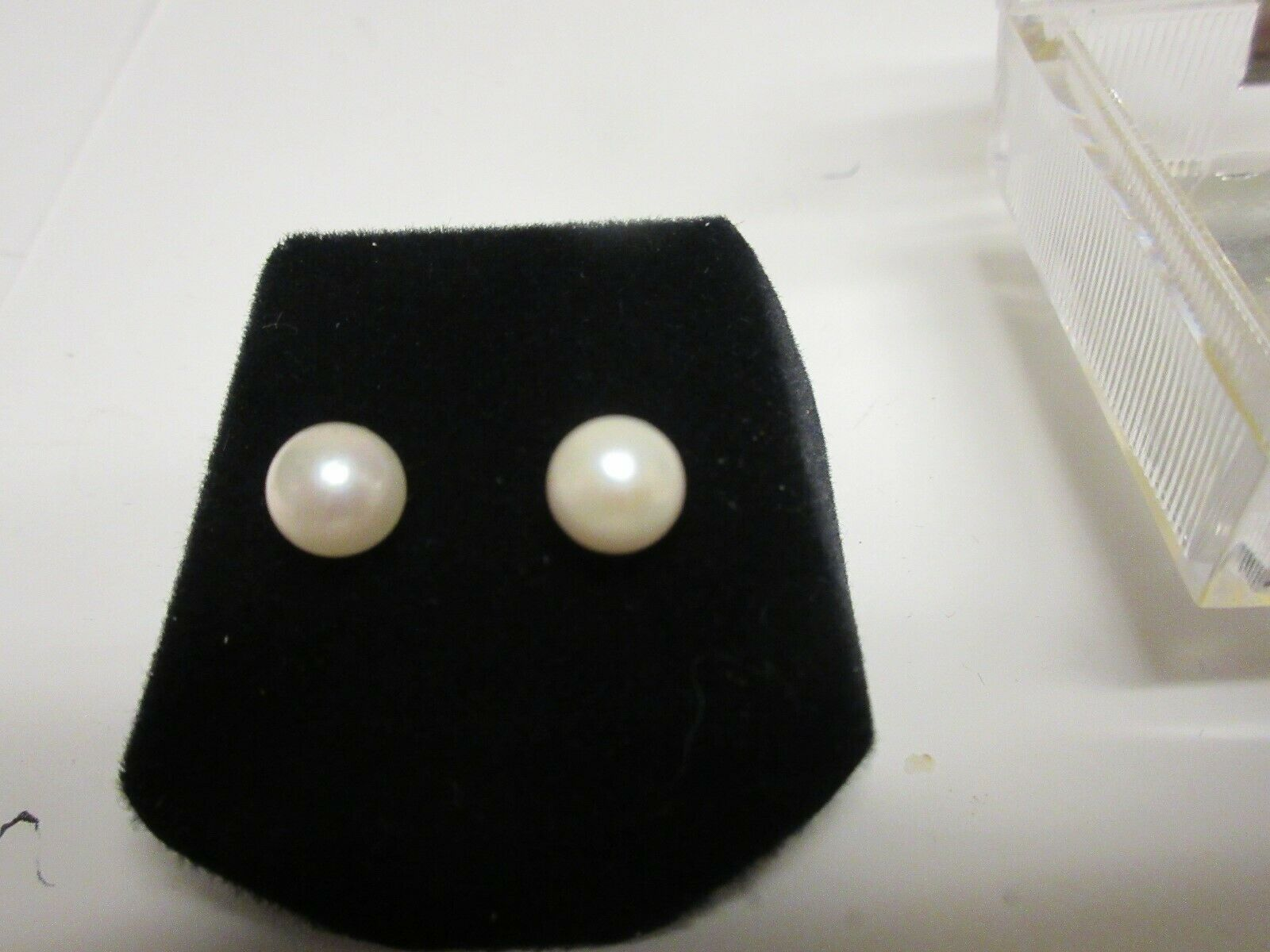 """Costume Jewelry ,Vintage , Pearl Earring , Small , 1/4"""""""