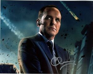 CLARK-GREGG-signed-autographed-AGENTS-OF-S-H-I-E-L-D-PHIL-COULSON-photo