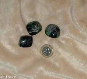 Rubi-en-Zoisita-piedra-semipreciosa-lote-de-3-rodados