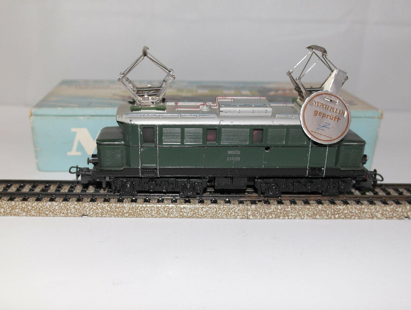 Marklin H 0:3011は、オリジナルボックス1959で800のLoco電気的なDB