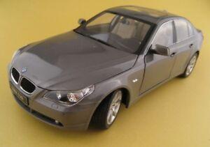 BMW-530i-in-grau-Revell-1-18-OVP