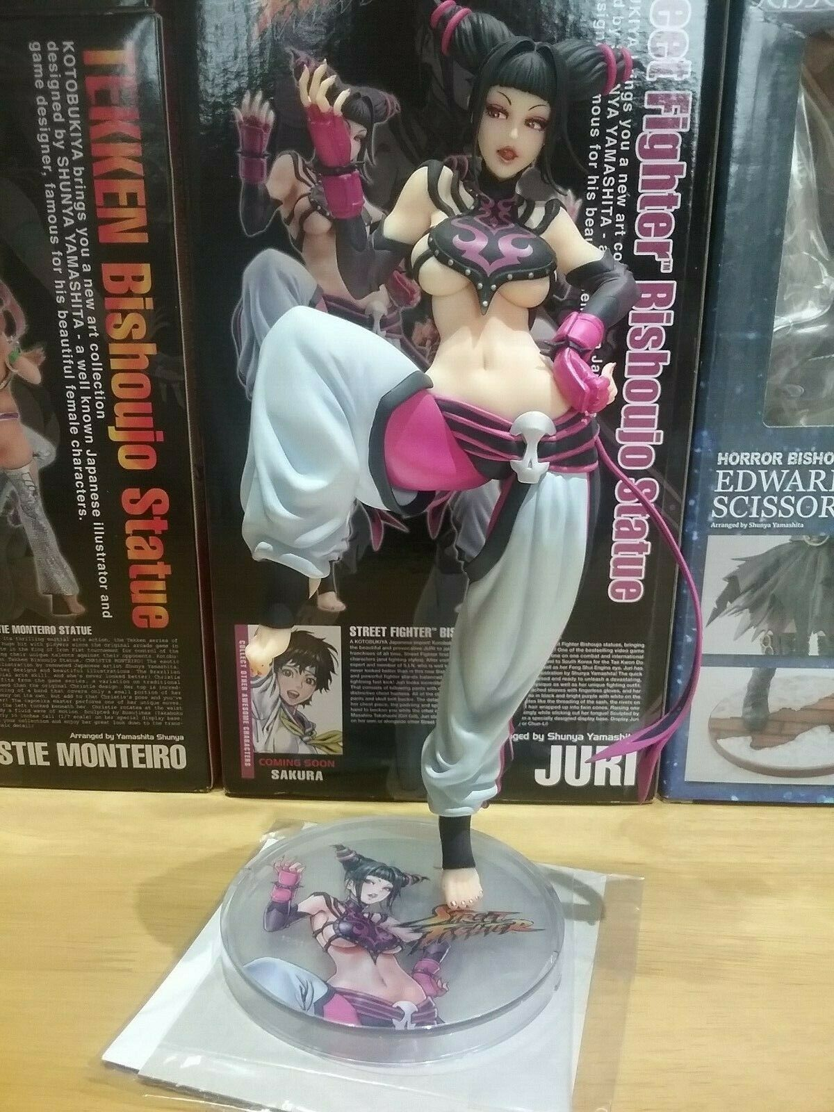 Kotobukiya Bishoujo Juri in box. Street Fighter