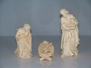 Krippenfiguren Holz Geschnitzt : holzschnitzerei heilige familie h 9 5cm natur ~ Watch28wear.com Haus und Dekorationen
