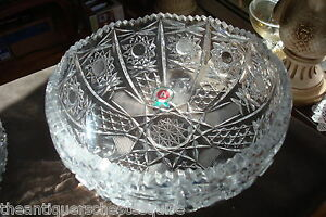 Gorgeous-hand-cut-glass-footed-bowl-made-in-Italy-still-with-original-label-9