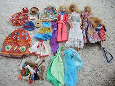 Großes Altes Konvolut : 4 x Barbie + Zubehör / Kleidung Schuhe ... Ca. 60er 70er