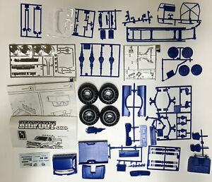 Rare 1989 Bigfoot 4x4x4 Monster Truck AMT ERTL 1:25 Model Kit # 6712 *Read*