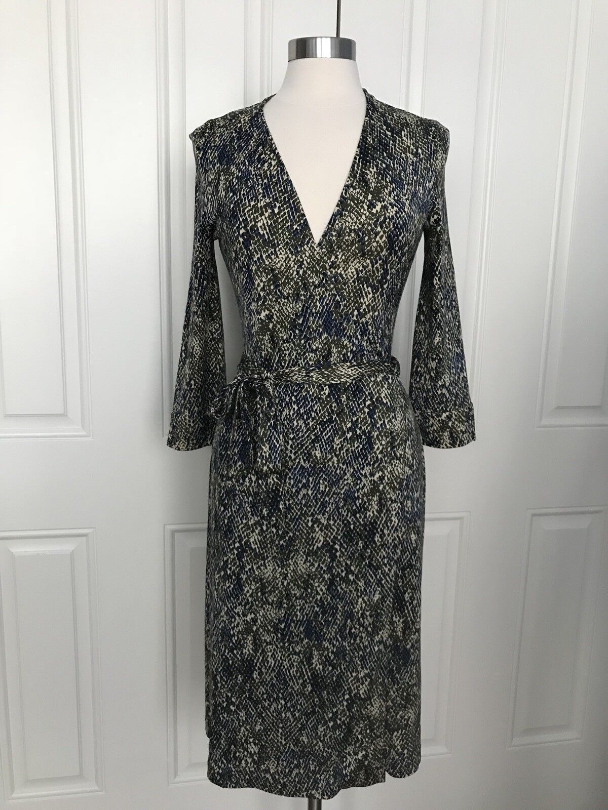 DVF vintage Julien animal print silk wrap dress 8 10 EUC