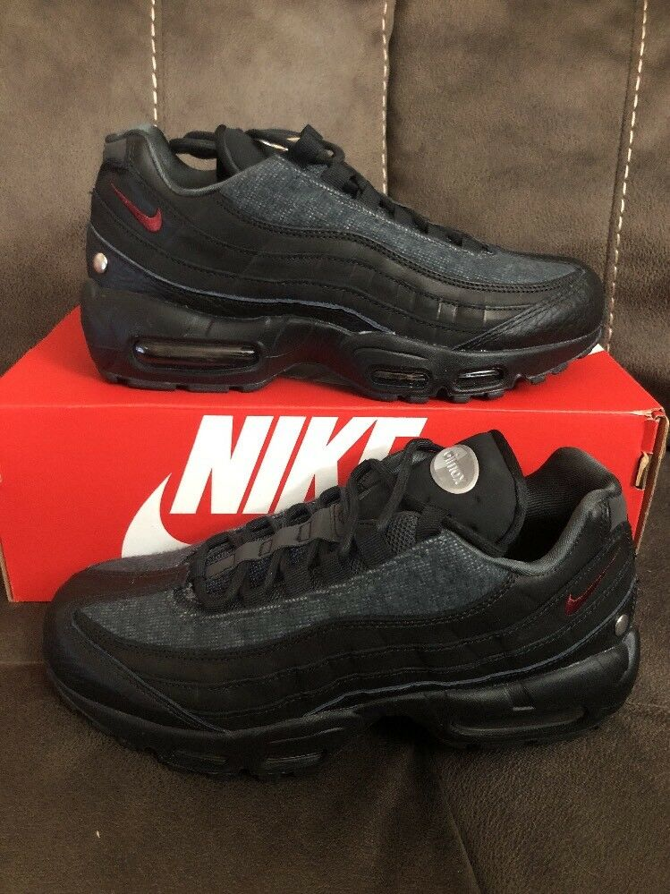 Nike Air Max 95 NRG AT6146 001 Black Team Red-Anthracite Sz 7 Fit Sz 8.5 Women's