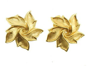 Image Is Loading Vintage Trifari Pair Of Gold Tone Star Design