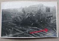 Foto Henschel LKW mit Minenschaden, Minensuchgerät