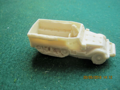 Flames of War compatable  15mm US half track x 3