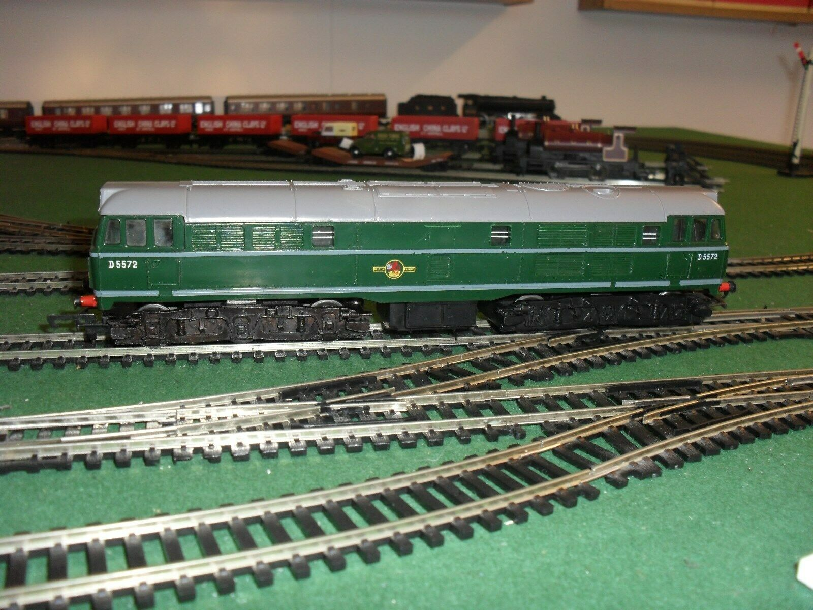 Triang R.357 Class 31 Brush (Type 2) Locomotive. Good Condition.