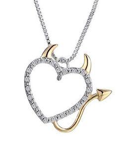 Collier-pendentif-motif-coeur-avec-corne-et-queue-de-diable-strass-blanc