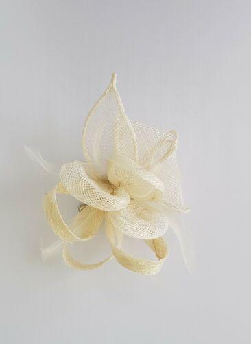 Petite Fleur Plume Broche Clip Parti bal royal Ascot Mariage Course