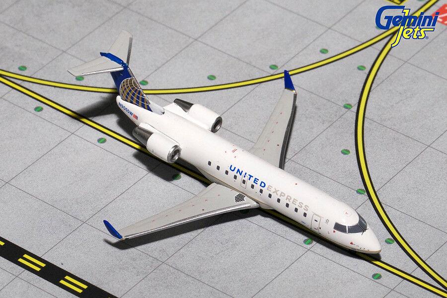 Gemini Jets United Airlines United Express CRJ200 GJUAL 1511 échelle 1 400