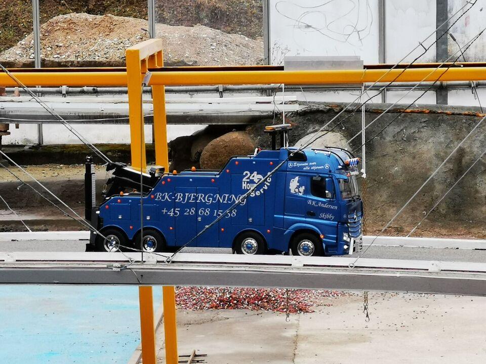 Fjernstyret lastbil, Actros Fjernstyret lastbil, skala