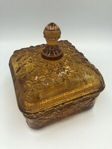 Vintage-TIARA-Indiana-Glass-Lidded-Square-Candy-Dish-AMBER-Honeybees-Hive