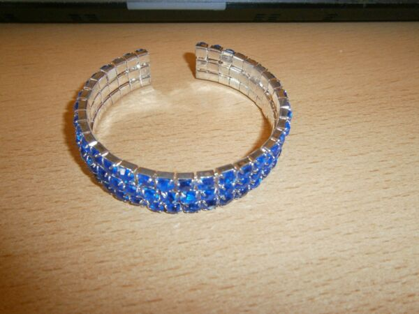 1 Tolles Mittelblaues Strass-armband - Biegbar - 3-reihig - Neu VerrüCkter Preis