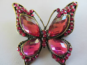 STUNNING-DECO-STYLE-PINK-STONE-SET-ANTIQUED-GOLD-BUTTERFLY-BROOCH-new-gift-box