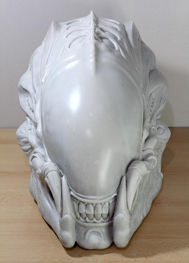 Predalien AVP Predator Alien Resin Model Life size Garage Kit Prop Replica Toy